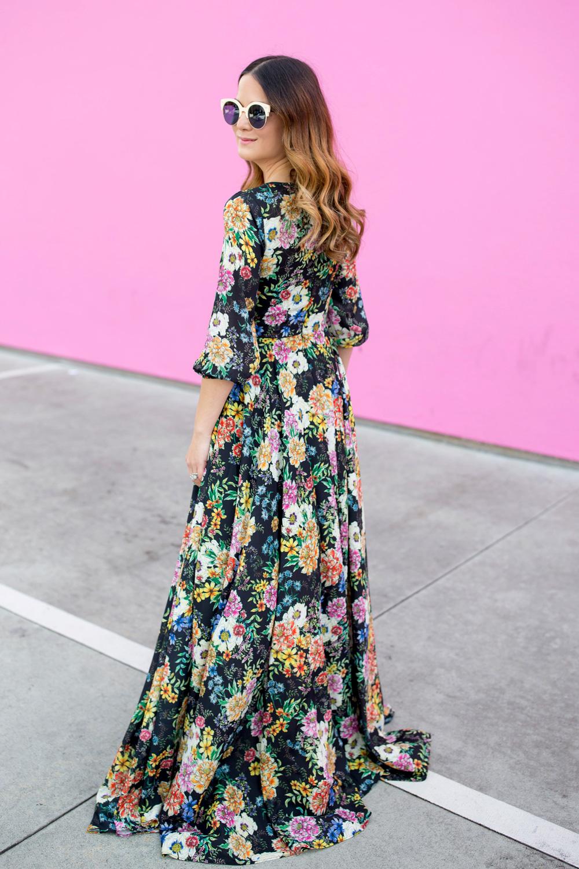 head turn fashion blogger pink wall