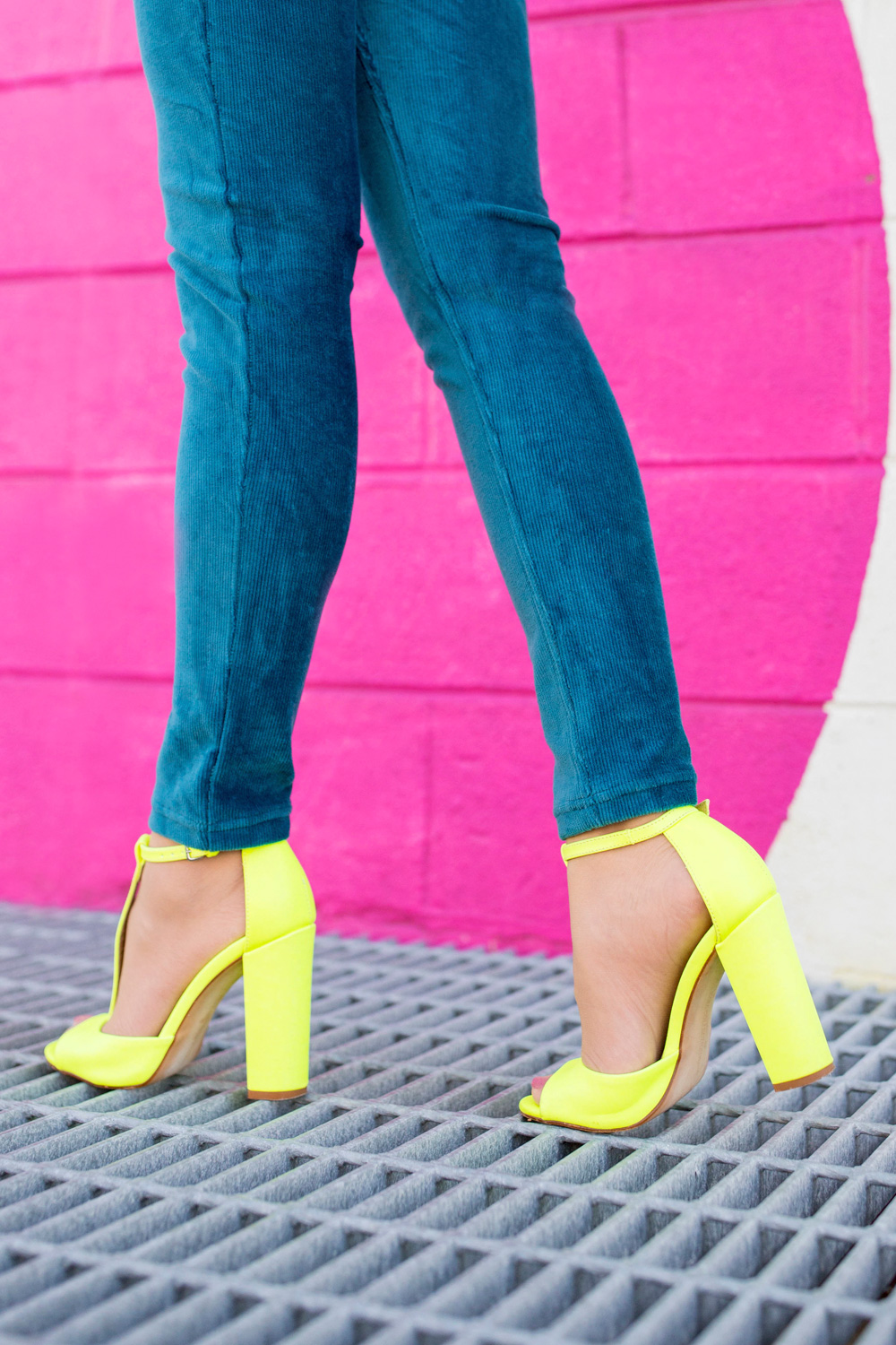 HUE Teal Corduroy Leggings