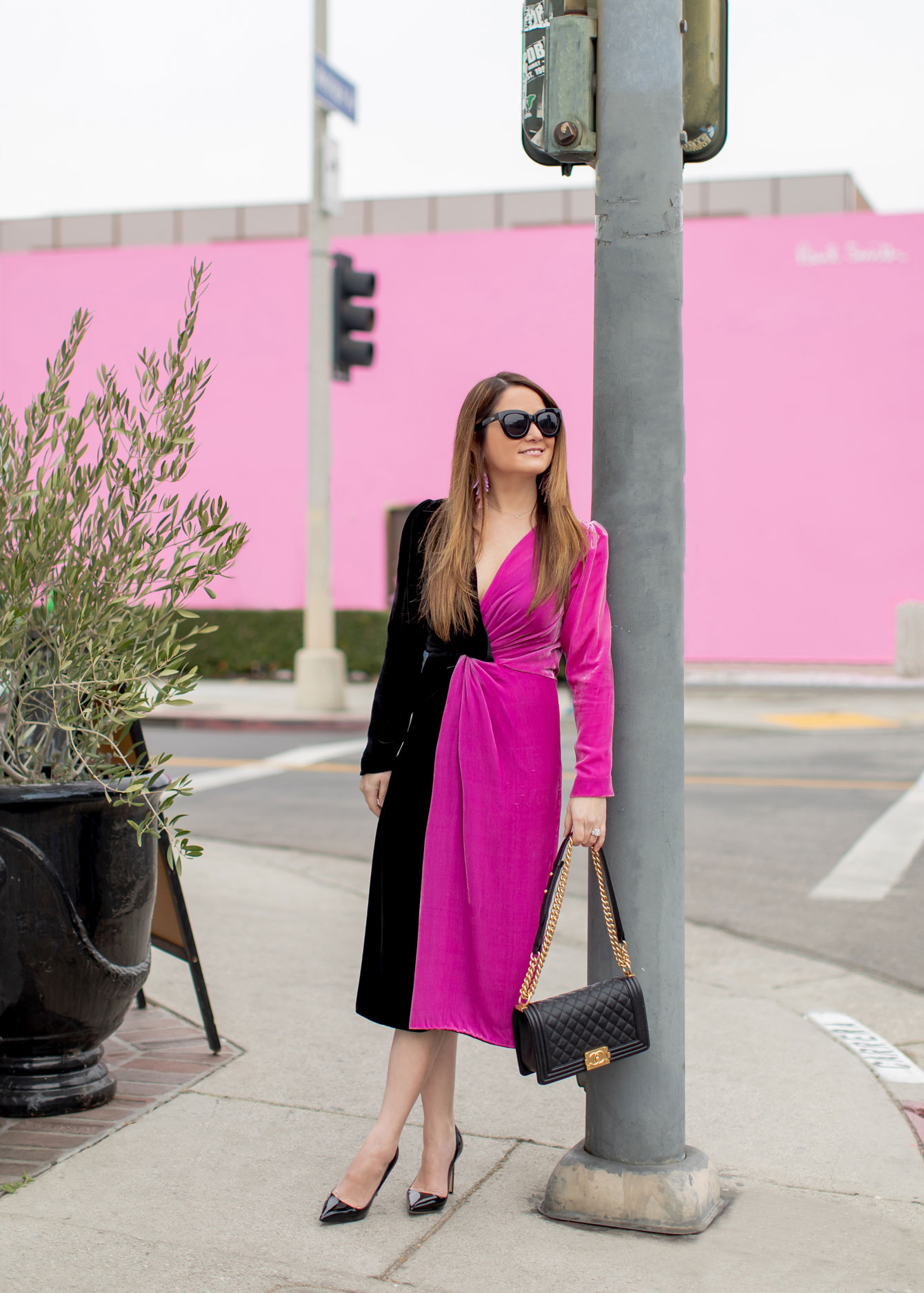 Los Angeles Blogger Pink Wall