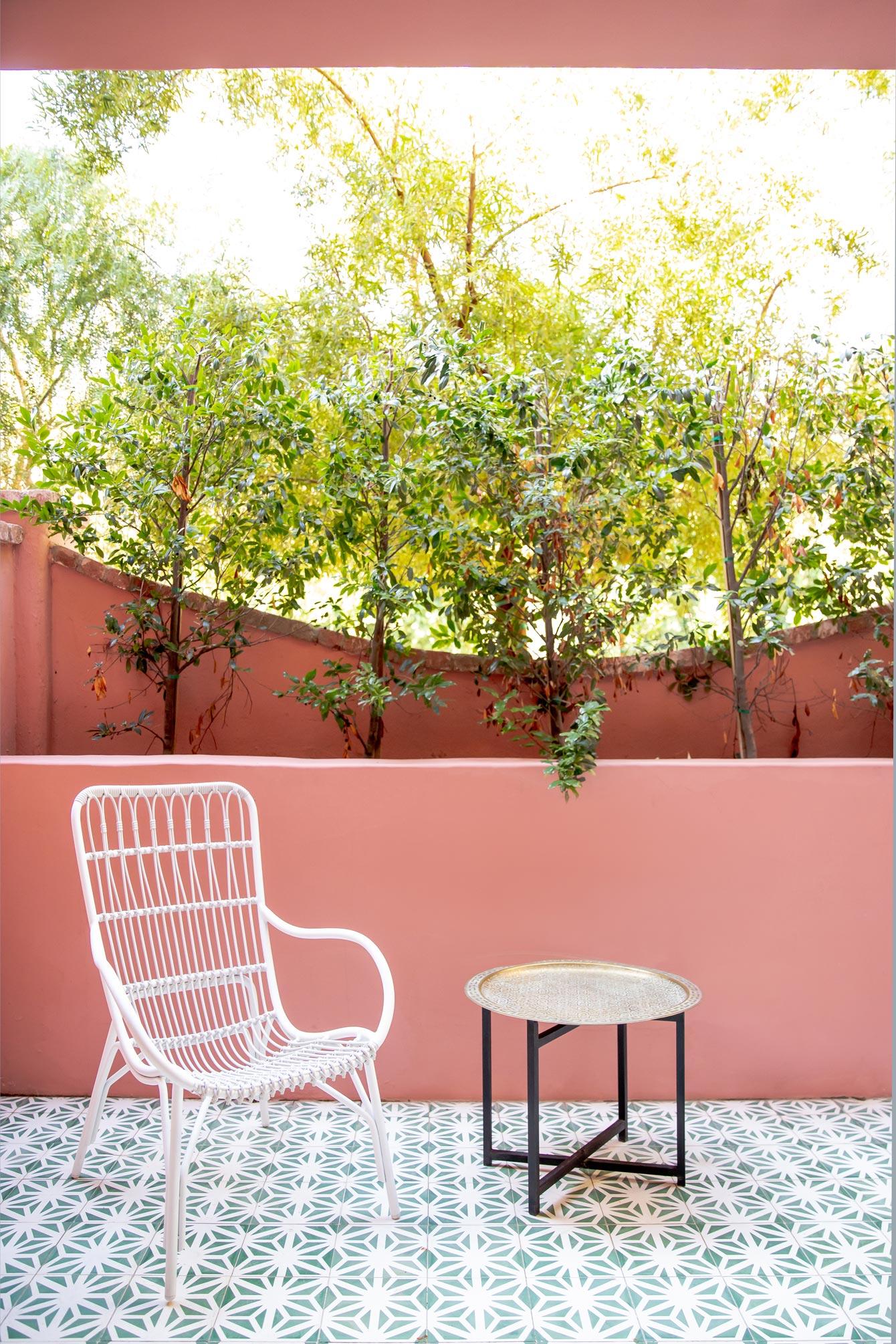 Pink Sands Hotel Suites