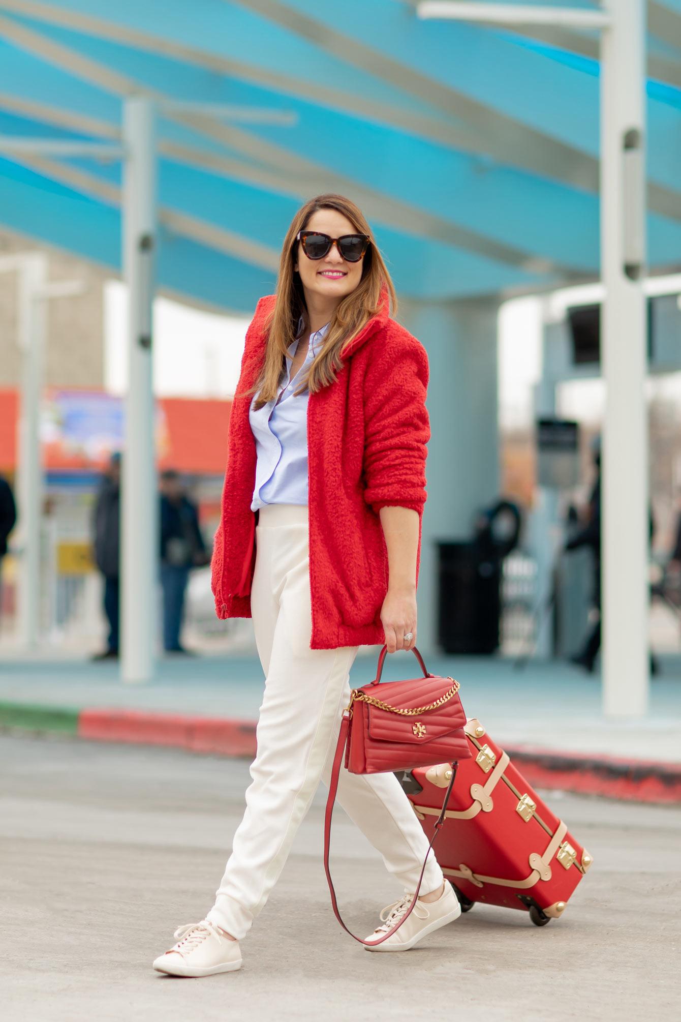 Jennifer Lake Travel Outfit