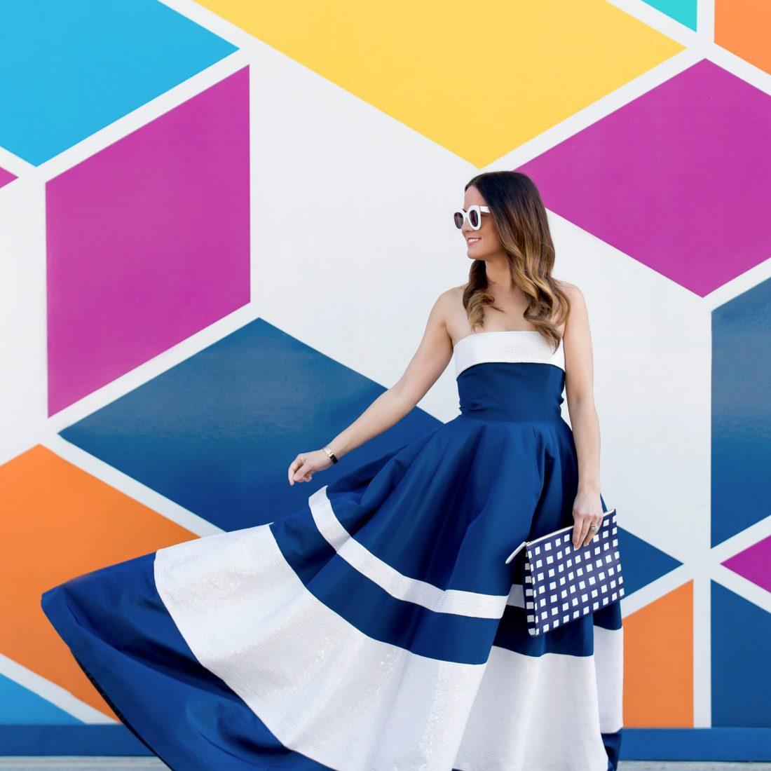 Jennifer Lake Carolina Herrera Navy Gown
