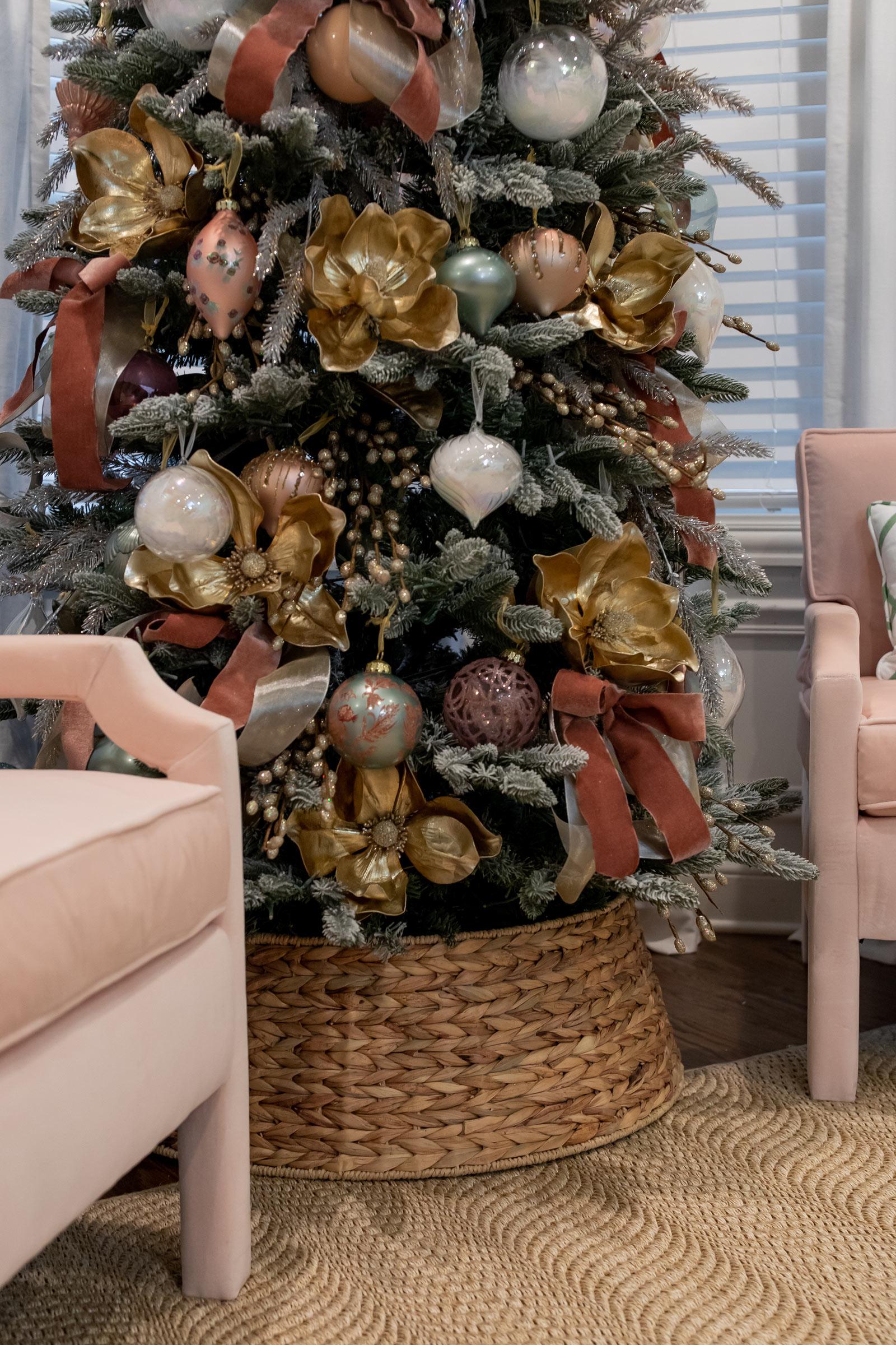 Seagrass Woven Christmas Tree Collar