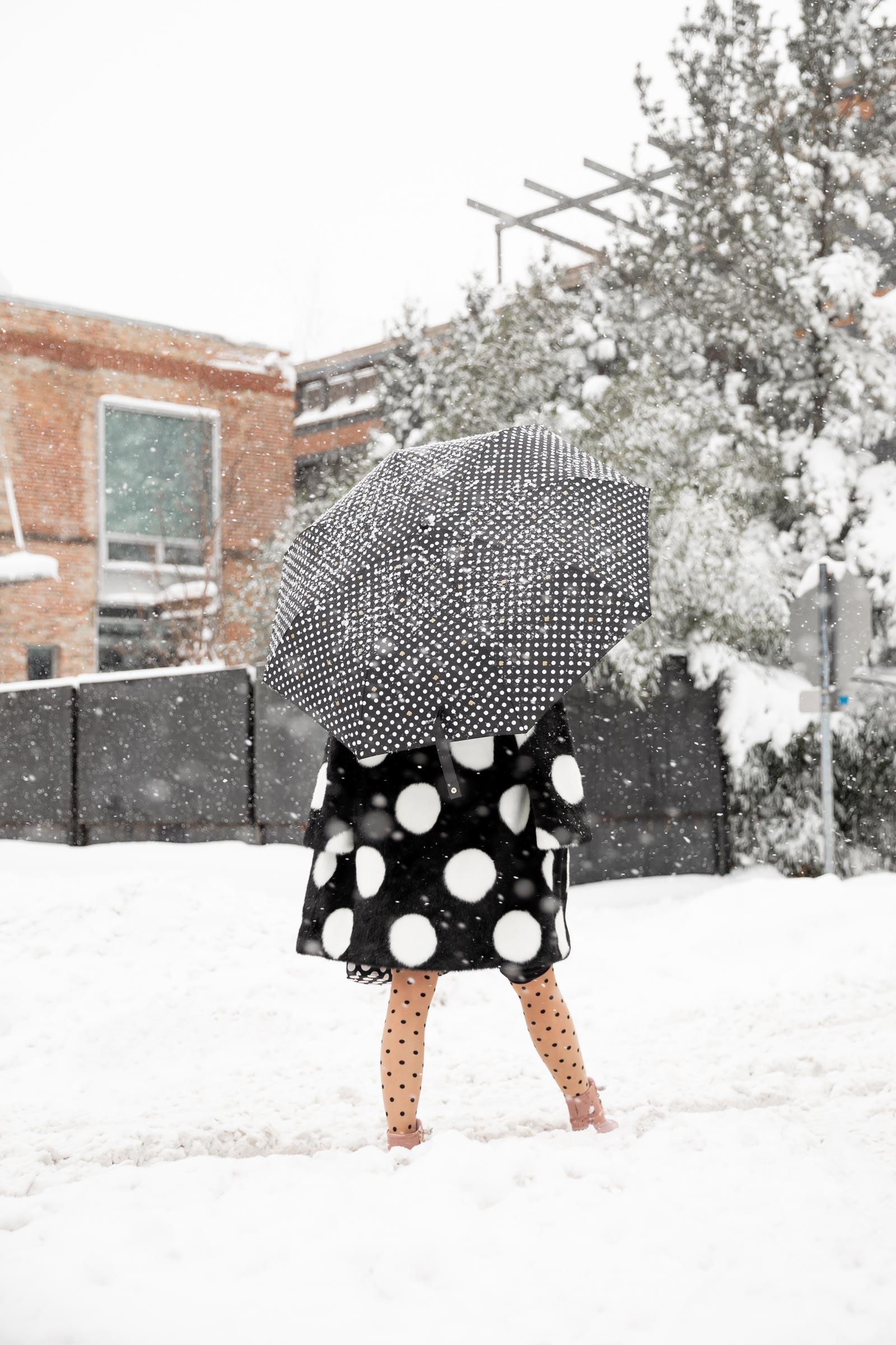 Kate Spade Black White Umbrella