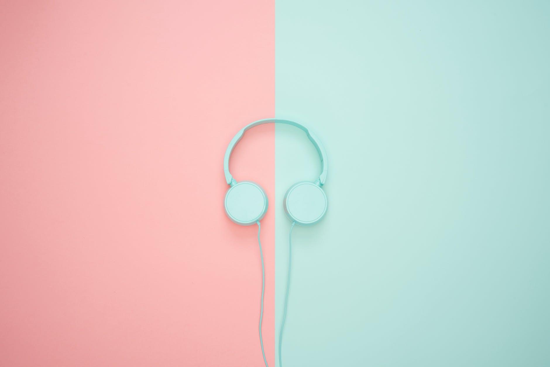 blue headphone