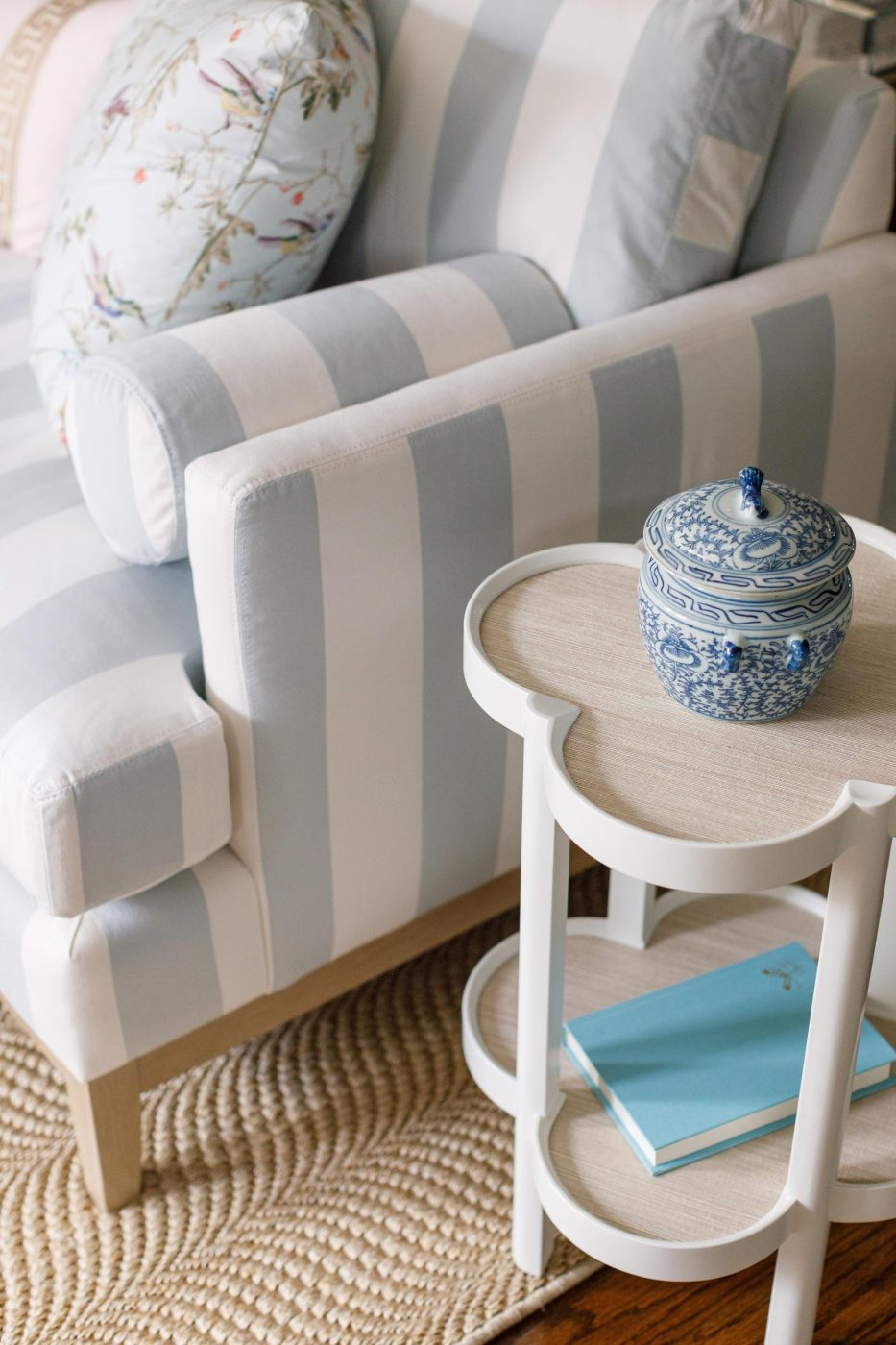 Serena Lily Scallop Side Table